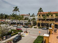 Fifth Avenue South in Olde Naples, Florida