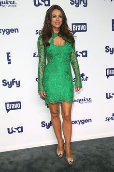 Elizabeth Hurley Photos Photos - Elizabeth Hurley attends the 2014 NBCUniversal Cable Entertainment Upfronts at The Jacob K. Javits Convention Center on May 15, 2014 in New York City. - NBCUniversal Cable Entertainment Upfronts
