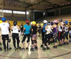 Derby Drill: Switching from Defence to Offence from pivotstar Roller Derby Drills, Roller Derby Skates, Quad Skates, Derby Day, Train Hard, Cross Training, Athlete, Coaching, Sports