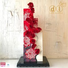 Red Roses  by Lucia Simeone - http://cakesdecor.com/cakes/290989-red-roses