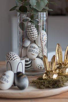 All Details You Need to Know About Home Decoration - Modern Apothecary Jars Decor, Diy And Crafts, Arts And Crafts, Creation Deco, Boho Diy, Egg Decorating, Easter Crafts, Diy Painting, Happy Easter