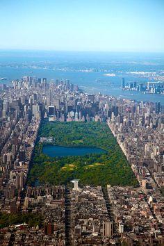 Top view Central Park Manhattan, New York City Great artcle Manhattan New York, Central Park Manhattan, Central Park Nyc, The Places Youll Go, Places To See, New York City, Photographie New York, Travel Around The World, Around The Worlds