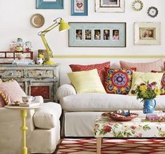Create good feng shui in your living room with these easy feng shui decorating steps. From best colors and furniture arrangement to shapes and lighting.