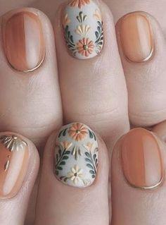 nail art designs for spring / nail art designs ; nail art designs for winter ; nail art designs for spring ; nail art designs with glitter ; nail art designs with rhinestones Diy Nails, Cute Nails, Pretty Nails, Cute Fall Nails, Gold Nail Art, Gold Nails, Silver Nail, Black Nails, Silver Glitter