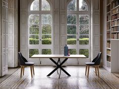 Mesa de comedor Tempel rectangular y sillas Nomady. http://dismobel.es/