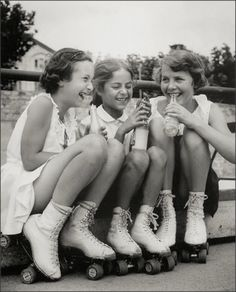 Girls, Soda Pop and Rollerskates, 1950s #mapauseentrescopines