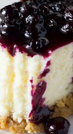 Lemon Cheesecake with Blueberry Compote
