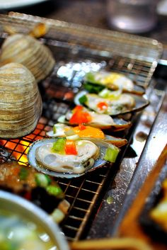 Je Boo Do - Korean grilled seafood Grilled Seafood, Seafood Bbq, Seafood Recipes, Fresh Seafood, Korean Street Food, Korean Food, Korean Bbq Recipe, Bbq Grill, Barbecue