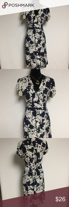 Navy blue and white floral dress ▪️Only worn once  ▪️Perfect condition  ▪️Comes from a smoke/ pet free home  ▪️Great quality and great fitting  ▪️Stunning in person⭐️ ▪️No longer fits me ✅FAST SHIPPING✅ Merona Dresses Midi