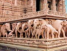 Swaminarayan Akshardham temple (New Delhi, India) literally supported by 148 full sized carved elephants. Indian Temple Architecture, Ancient Greek Architecture, Cultural Architecture, Gothic Architecture, Temple India, Jain Temple, India Art, World Images, Vietnam Travel