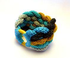 kötött, fonott karkötő kék, türkiz, mustár és szürke színekben / knitted, braided bracelet in blue, turquoise, mustard and gray colors