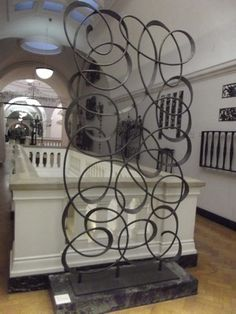 room divider at the V& A by Karl Walz. a single unbroken line