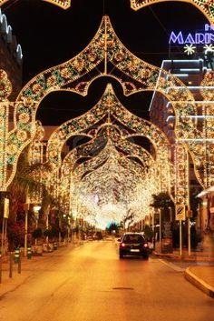 Luces en la calle Marina D'or, España