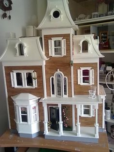 mijn poppenhuis de Beacon Hill..  my own dollshouse the Beacon Hill