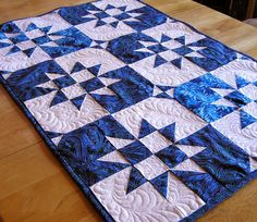 Two Color Quilts, Blue Quilts, Star Quilts, Mini Quilts, White Quilts, 9 Patch Quilt, Quilt Blocks, Quilting Tutorials, Quilting Designs