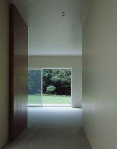 Jonathan Woolf - Brick Leaf house, Hampstead 2003. Via, 2, photos © Hélène Binet.
