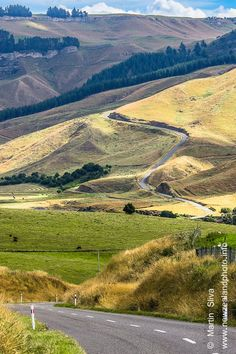 One of the most beautiful NZ drives - The Gentle Annie Road #greatNZdrives Photography by Martin Sliva