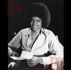 Spike Lee announces new Off The Wall Documentary - It will include this Photo of Michael Jackson from 1978 Photos Of Michael Jackson, Michael Jackson Smile, Michael Love, Paris Jackson, Jackson Family, Jackson 5, Spike Lee, The Jacksons, Off The Wall