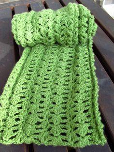 DIY Lacy Green Crochet Infinity Scarf and Free Pattern, Kiku Corner