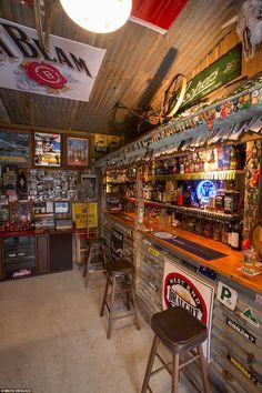 Convert Your Garage into a Man Cave - Man Cave Home Bar - Man Caves Basements Man Cave Shed, Man Cave Room, Man Cave Basement, Man Cave Diy, Man Cave Home Bar, Man Cave Garage, Man Cave With Bar, Attic Man Cave, Car Man Cave