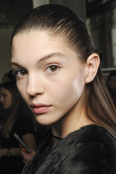 So sleek right now As seen at: Giambattista Valli Slick hair straight back and spray into place to achieve this catwalk style.
