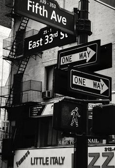 One way or another I'm gonna getcha. and white 50 presets for lightroom, professional settings for black and white photography. Lightroom black and white presets - B/N KING Black Aesthetic Wallpaper, Gray Aesthetic, Black And White Aesthetic, Aesthetic Wallpapers, Aesthetic Vintage, Aesthetic Collage, Travel Aesthetic, Aesthetic Outfit, Aesthetic Girl