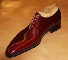 bottier | Dimitri Bottier. Made of only one piece of leather, no ... | My Style