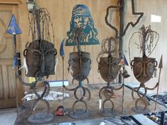 Shovel face cannibal tribe. Recycled Metal Art, Scrap Metal Art, Horseshoe Crafts, Horseshoe Art, Metal Art Projects, Metal Yard Art, Metal Art Sculpture, Steel Art, Found Art