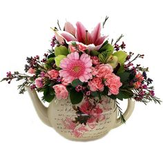 Bouquet in a teapot!