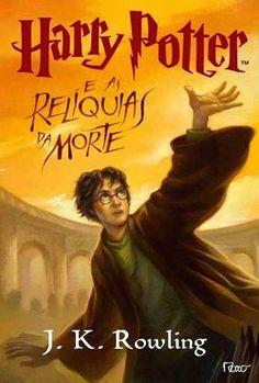 Desta vez, Harry Potter foi encarregado de uma tarefa obscura, perigosa e aparentemente impossível: localizar e destruir os Horcruxes remanescentes de Voldemort. Potter nunca esteve tão sozinho nem teve de enfrentar um futuro tão sombrio. Porém, de algum modo, Harry deve encontrar dentro de si próprio a força para completar a tarefa que lhe foi dada: