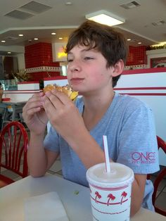 Twitter / @Jared_Gilmore: Happiness is eating an In and Out Burger back home in San Siego
