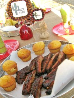 Ribs and cornbread for food