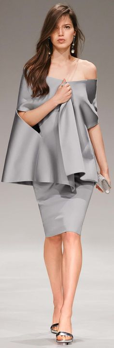 I think this would make a cool maternity outfit. Probably not a lot of maternity evening wear.