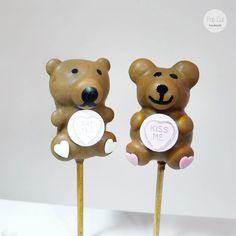 cake pop teddy Cake Pops, Place Cards, Teddy Bear, Place Card Holders, Toys, Handmade, Birthday, Activity Toys, Hand Made