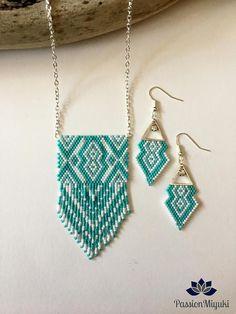 Items similar to EYM. Miyuki beads parure on Etsy Beaded Earrings, Beaded Jewelry, Crochet Earrings, Jewelry Patterns, Beading Patterns, Beaded Crafts, Beaded Bags, How To Make Earrings, Beading Projects