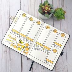 Bee themed bullet journal weekly layout from @bulletwithchristine