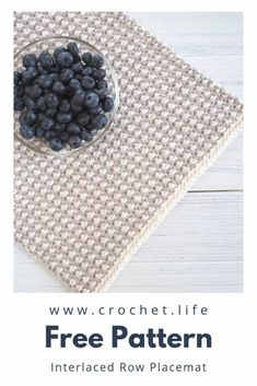 DIY home decor Interlaced Row Crochet Placemat Pattern - Free crochet pattern by GoldenStrandStudi. Life Source by CrochetLifeGSS clothes ideas Crochet Placemat Patterns, Crochet Coaster Pattern, Crochet Mat, Crochet Fabric, Easy Crochet, Free Crochet, Crochet Things, Wie Macht Man, Crochet Home Decor