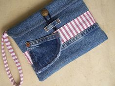 Upcycled denim e-reader case clutch wristlet von HarvestHomeStudio