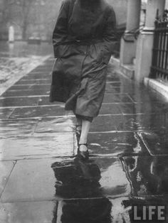 Emil Otto Hoppé :: Reflections on Wet Pavement, probably London, 1923 / more [+] by this photographer