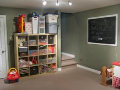 """Updated on December 27, 2014: I featured this project in """"My Handmade Home"""" over on TheChronicleHerald.ca , so please check that out here ...."""
