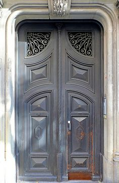 Barcelona - Aragó 136 d by Arnim Schulz, via Flickr