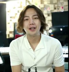 """[Video] Jang Keun Suk supportive message for Hanyang University students play """"Caretaker"""" 06/17/2015 Original source: hanyang_grad_theatre Instagram Note: Jang Keun Suk is a graduated student from Hanyang university, now is studying a master. cr:-NT- , *JE* http://www.facebook.com/theeelsfamily"""