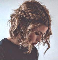 Carré + tresse Il est possible de coiffer ces cheveux courts et ainsi de changer de style