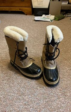 Sorel Kaufman snow boots. Wool inserts. Like new! Made in Canada. Sorel Boots, Snow Boots, Calves, Canada, Wool, Heels, Leather, Heel, Snow Boots Outfit