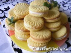 Winter Food, Mini Cupcakes, Cookie Cutters, Biscuits, Muffin, Food And Drink, Xmas, Cooking Recipes, Menu