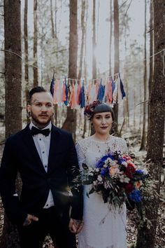 Inked-spiration Styled Shoot im Wald Tattoo Bunt, Painting, Style, Pictures, Paper Mill, Garlands, Dekoration, Newlyweds, Flowers