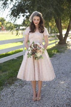 Romantic Pink and Lace Rustic Wedding Inspiration Bridal Gowns, Wedding Gowns, 50s Style Wedding Dress, 40s Wedding, Rustic Wedding, Wedding Bride, Fall Wedding Flowers, Autumn Wedding, Before Wedding