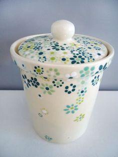 Fantastic Photo Ceramics Pottery painting Tips DOSE Pottery Mugs, Ceramic Pottery, Pottery Art, Ceramic Painting, Diy Painting, Ceramic Art, Pottery Painting Designs, Pottery Designs, Pottery Ideas