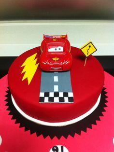 Tarta fondant cars Cupcakes, Cake Cookies, Mcqueen Cake, Lightening Mcqueen, Disney Cakes, Cakes For Boys, Party Cakes, Beautiful Cakes, Fondant