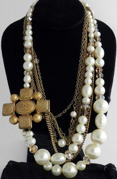 Gripoix - Bijoux - Chanel - Sautoir - Perles et Croix
